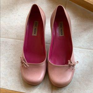 Steve Madden low pink pumps